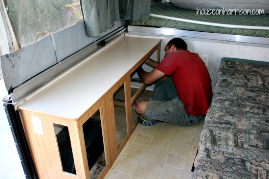 Removing the Cabinets