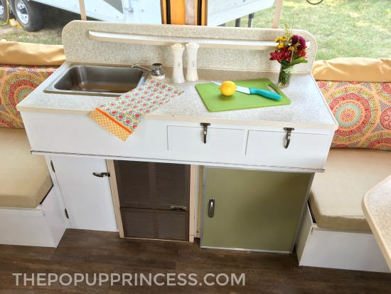 Retro Pop Up Camper